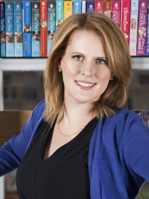 Tessa Dare, New York Times Bestselling author of historical romance novels